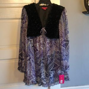 NWT Sunny Leigh Blouse with Fur. Size L.